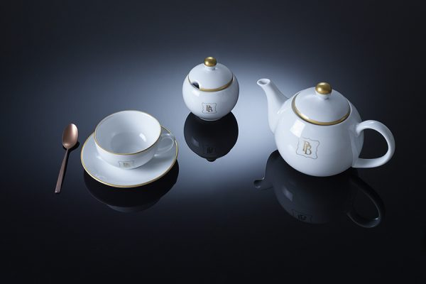 Hand painted monogram logo pure gold – porcelain tea set