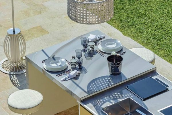 DFN-Island-Kitchen-with-Sliding-Table-detail-1024x512