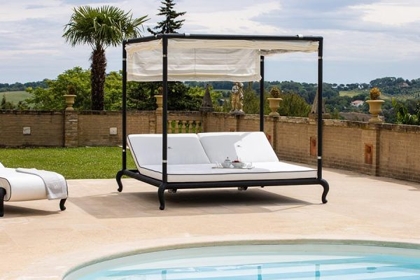 Canopy adjustable sunbed