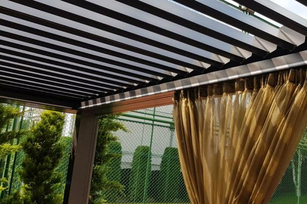 DFN-luxury-outdoor-furniture-bioclimatic-pergola-panes-curtaindetail