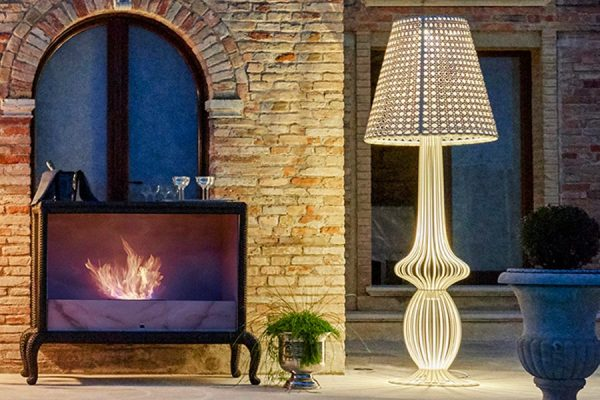 Sole lamp and Canopo fireplace